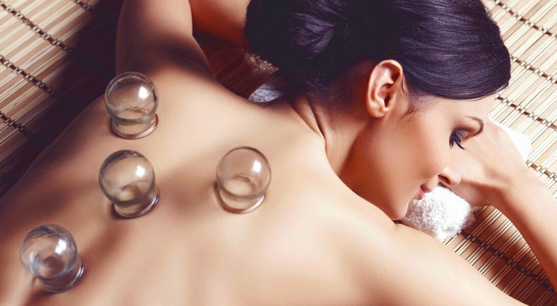 Schröpfglas Rückenmassage